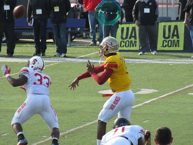 EJ Manuel leading the South team at Senior Bowl practice.