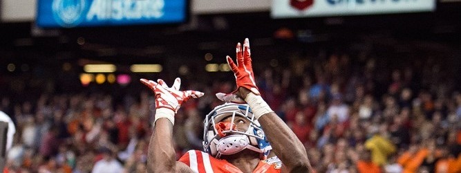 1 January 2016; Ole Miss Rebels v Oklahoma State Cowboys; Ole Miss Rebels wide receiver Laquon Treadwell (1) catches a touchdown pass during a game in New Orleans, Louisiana.   (Photo by John Korduner/Icon Sportswire)